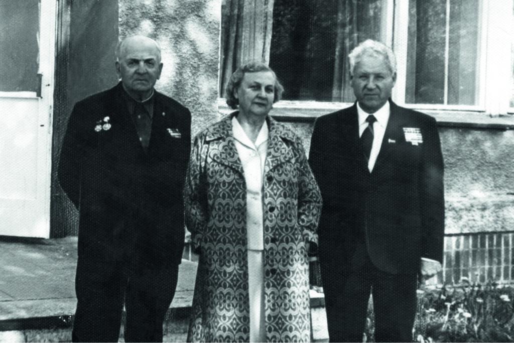 И. В. Филиппов, его жена Валентина и А. Н. Боднар. Москва, 25.05.1985