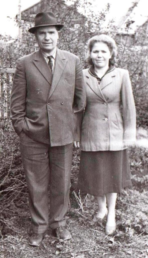 Иосиф Алексеевич Мизгирёв и Мария Алексеевна Сухачева – брат и сестра. Асино.