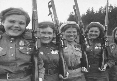 Девушки стреляют без промаха